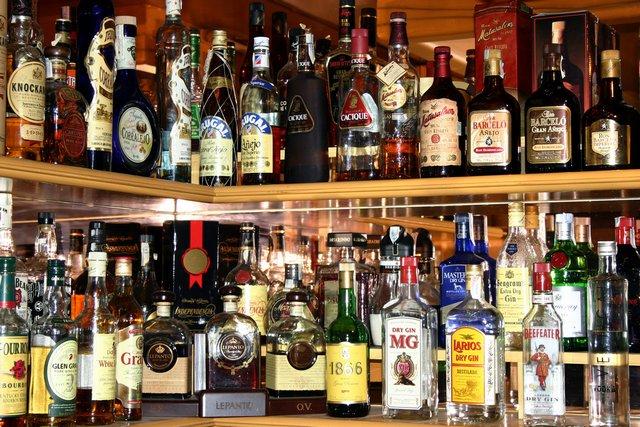 Alkohol za barem (2)