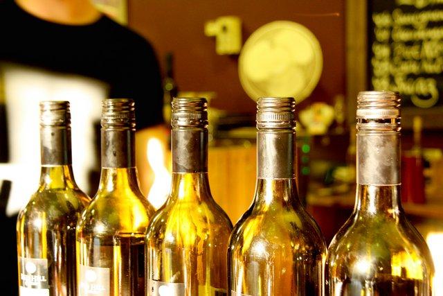 Lahve vína (1)