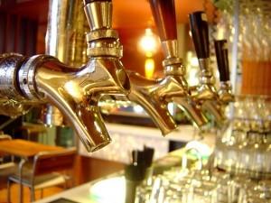 Čepování piva má svá pravidla. Co by měl správný výčepní dodržovat? #Pivo