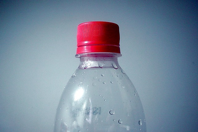Plastová lahev