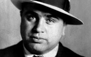 Pašerák alkoholu Al Capone (1)